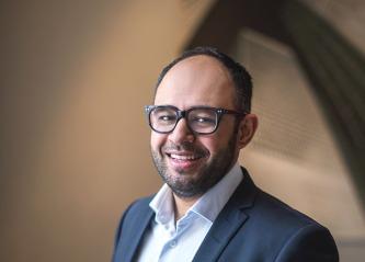 Det starter på toppen og tillit er bjelken. Klare ord fra Adnan Afzal, fagleder samfunn og innovasjon, Næringsforeningen i Drammensregionen.